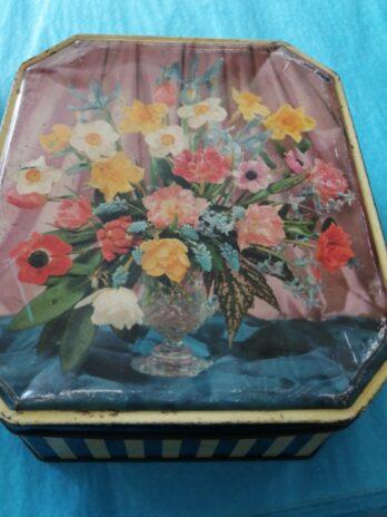 Floral Big Vintage Tin